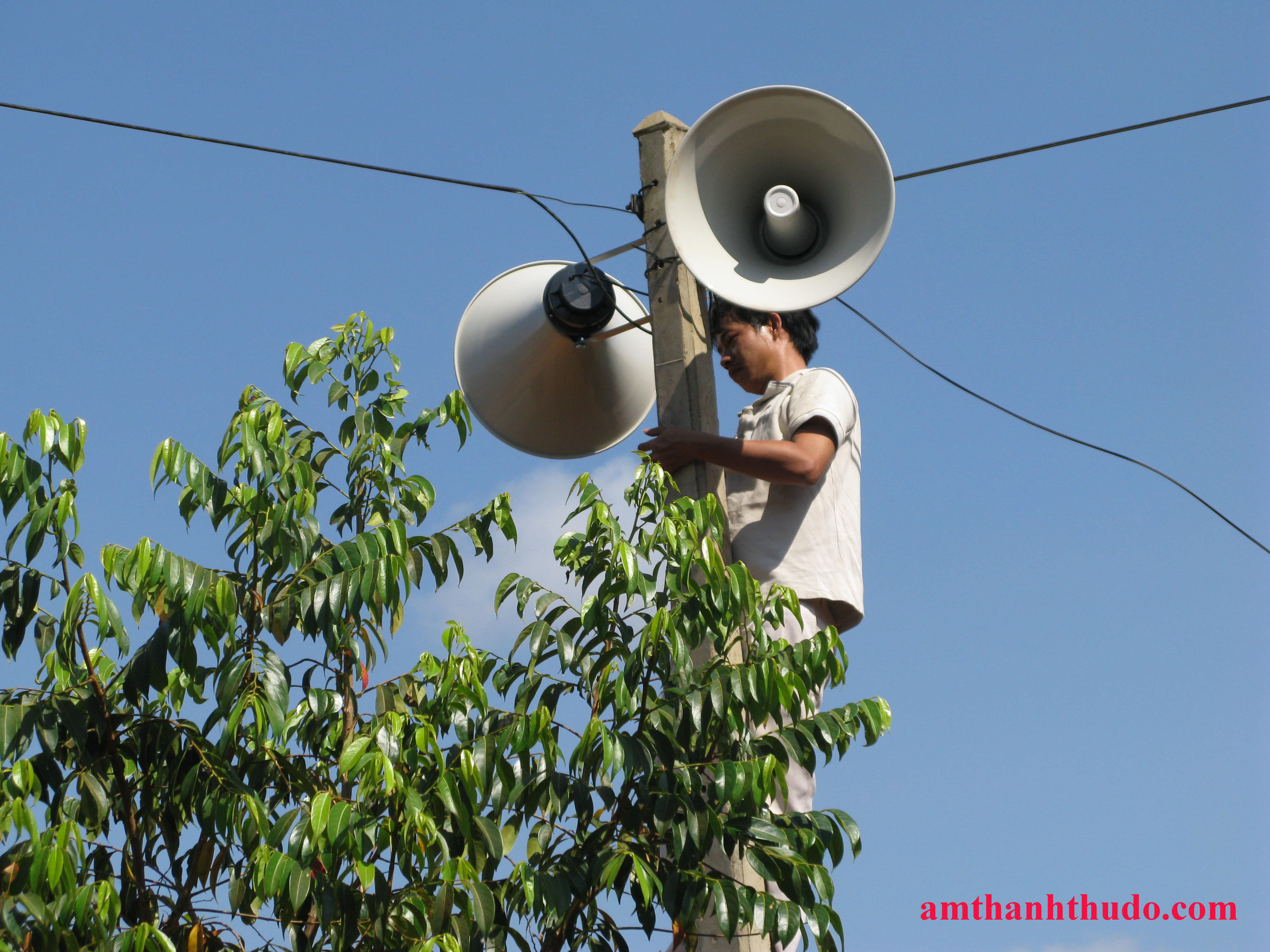 Loa phát thanh gây ô nhiễm tiếng ồn