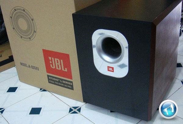 Loa sub JBL 835 II