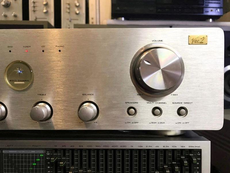 Nút volume to, dễ sử dụng đúng đặc chưng của dòng amply Marantz