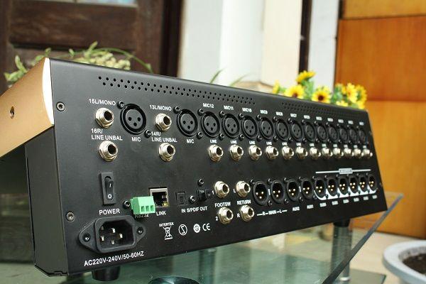 Mặt sau mixer Digital DB V16F