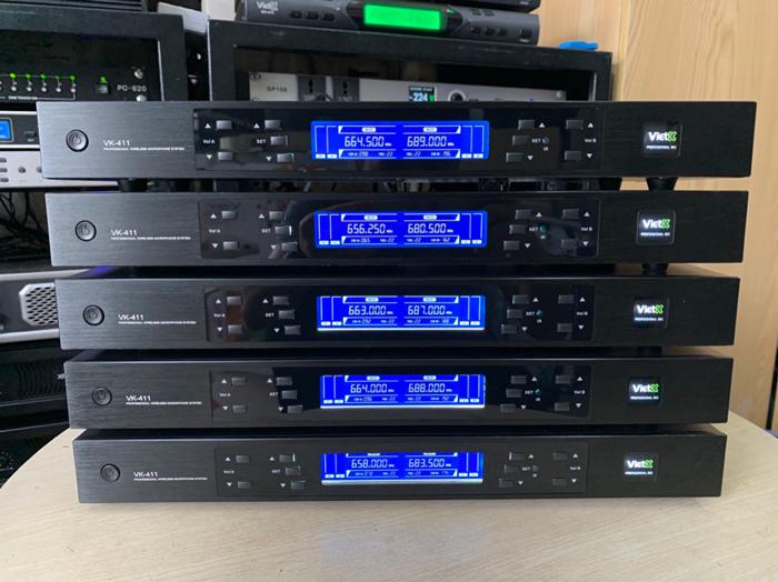 Micro không dây VietK 411 giá rẻ nhất chỉ có tại Lạc Việt Audio