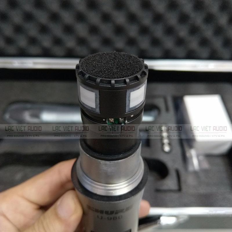 Chi tiết thiết kế đầu micro với tấm lọc âm