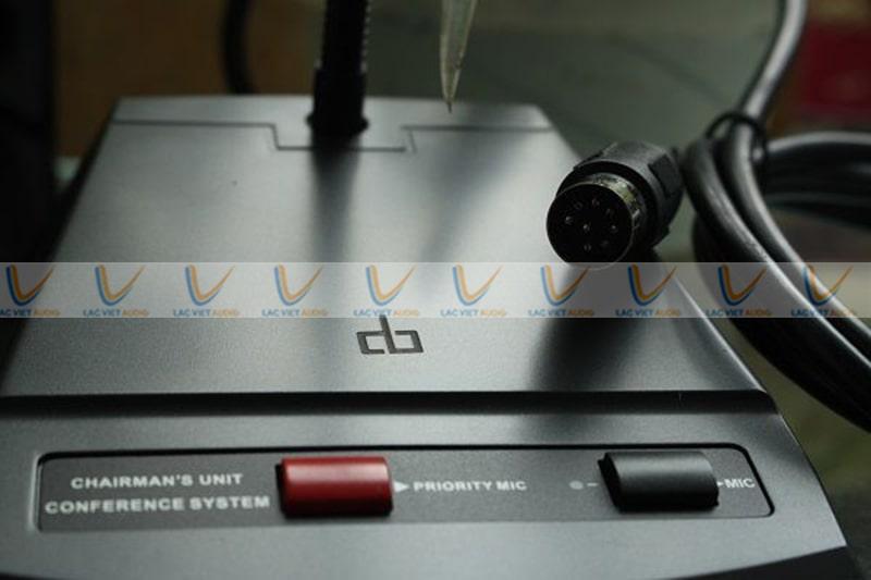 Micro DB KA-9000CT có bộ điều khiển tại chân đế