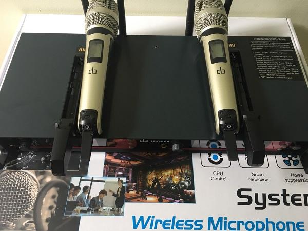 Micro không dây DB UK986 chuyên nghiệp