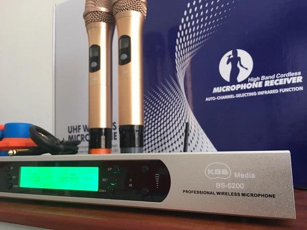 Micro KBS BS-5200 micro không dây cao cấp sử dụng sóng UHF