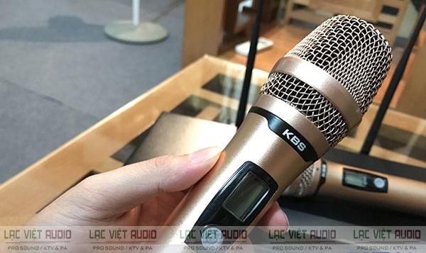 Tay micro không dây KBS có kiểu dáng nhỏ gọn, tinh tế và đẹp mắt