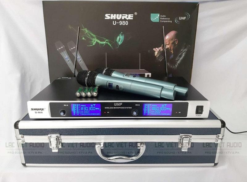 Trọn bộ micro không dây Shure U980 gồm đầu thu, thân mic và phụ kiên khác