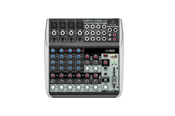 Mixer Behringer Xenyx Q1202USB