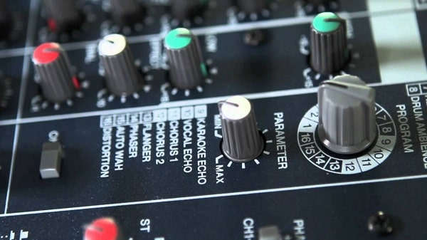 Bộ mixer karaoke gia đình MG82CX