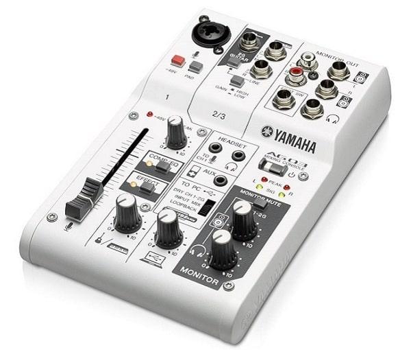 Mixer karaoke gia đình Yamaha AG03