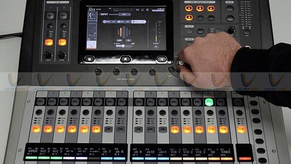 Màn hình cảm ứng của Yamaha TF1