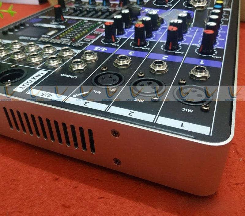 Mixer livestream studio có giá tiền nhỏ hơn so với bàn mixer chuyên nghiệp