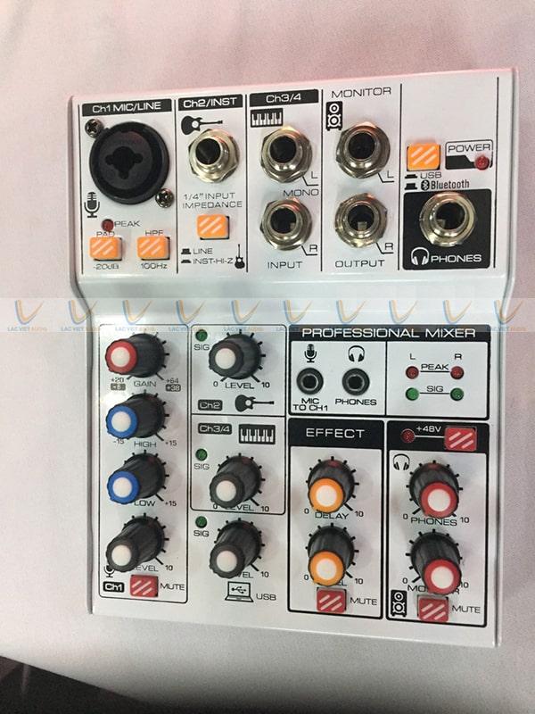 Hệ thống nút điều chỉnh được trang bị đầy đủ