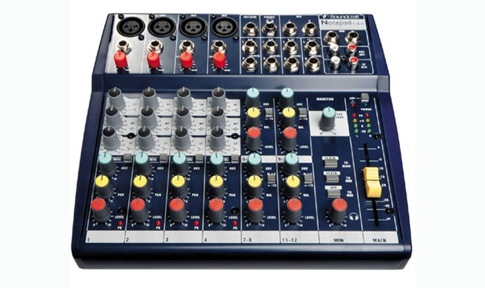 Bàn mixer mini Soundcraft Notepad 124FX
