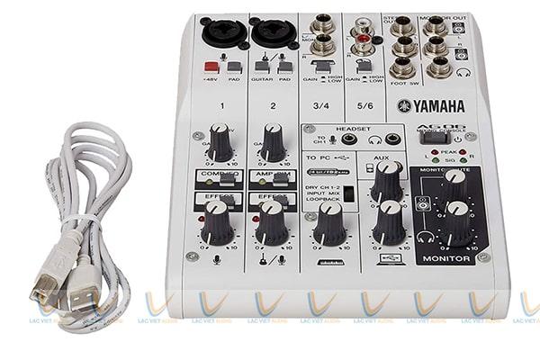 Bàn mixer Yamaha mini AG06