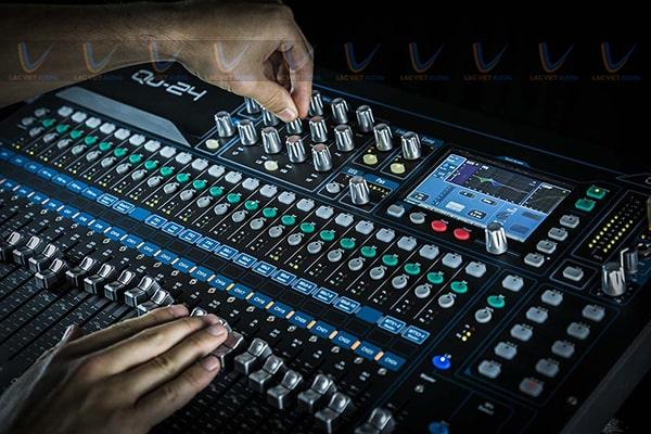 Bàn mixer trộn và xử lý âm thanh đầu vào cho chất âm hoàn hảo nhất