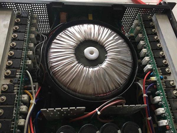 Hình ảnh nội thất bên trong của cục đẩy CA30
