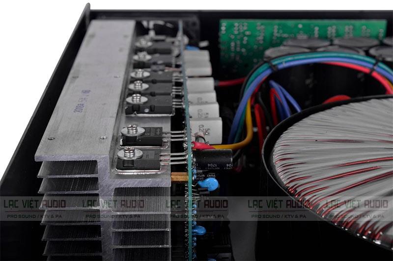 Sò cục đẩy 2 kênh được nối với biến áp nguồn xuyến