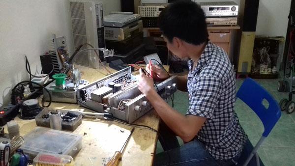 Nhận sửa chữa amply tại nhà Hà Nội