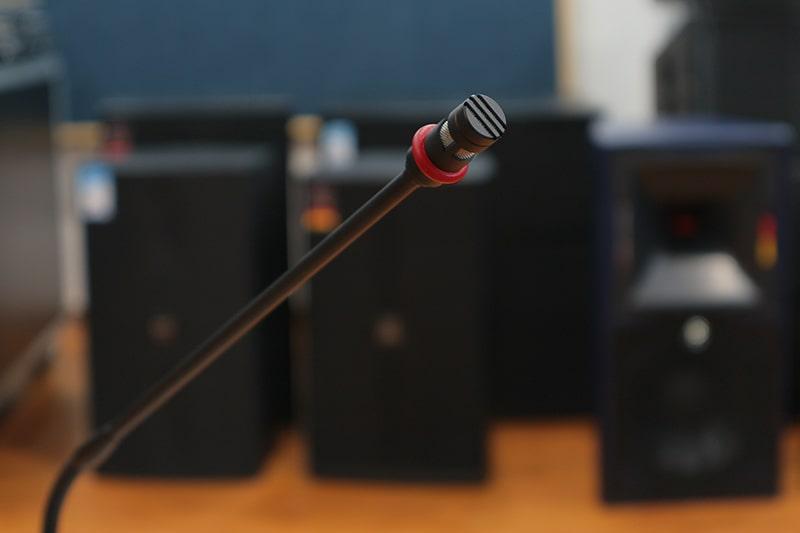 Thân Paso B2080-DG cổ ngỗng có thể dễ dàng điều chỉnh