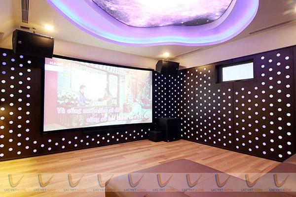 Không gian phòng karaoke đảm bảo kín
