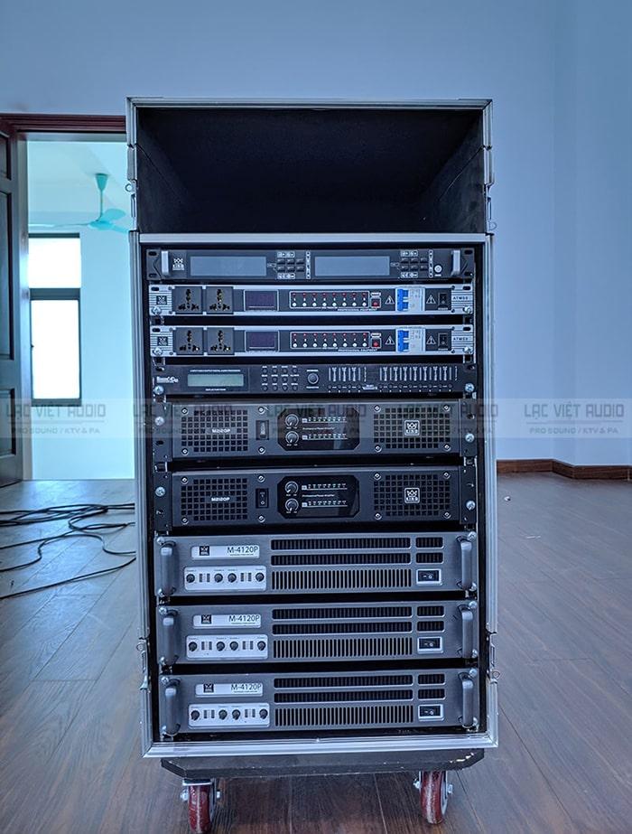 Hệ thống thiết bị được sắp xếp hợp lý trong tủ jack 16U