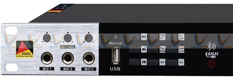 Vang số EUDAC KM-300 thiết kế 3 cổng kết nối micro ở mặt trước