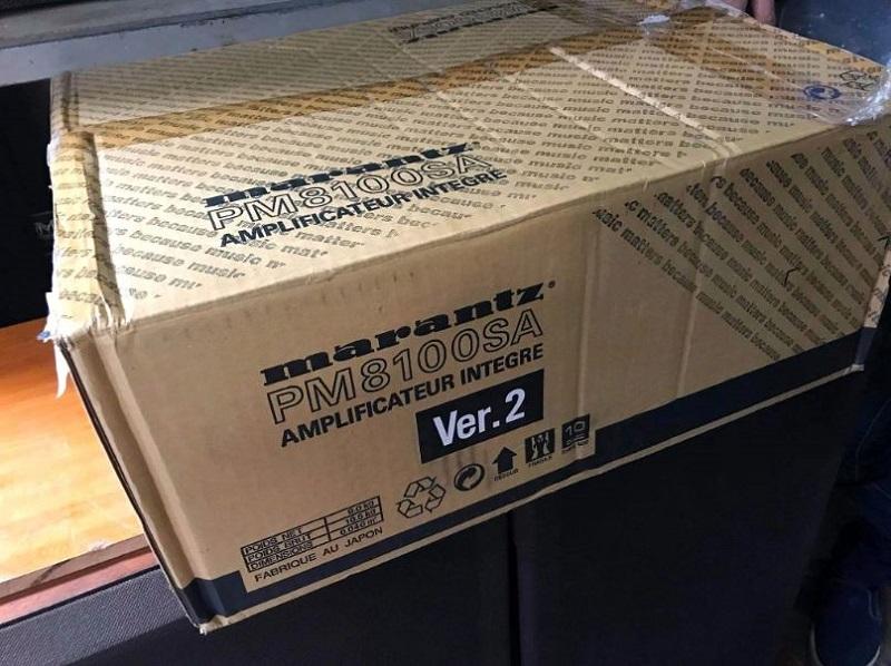 Vỏ hộp còn nguyên của amply Marantz PM 8100 SA Ver 2