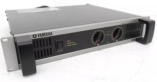Amply sân khấu Yamaha XP1000