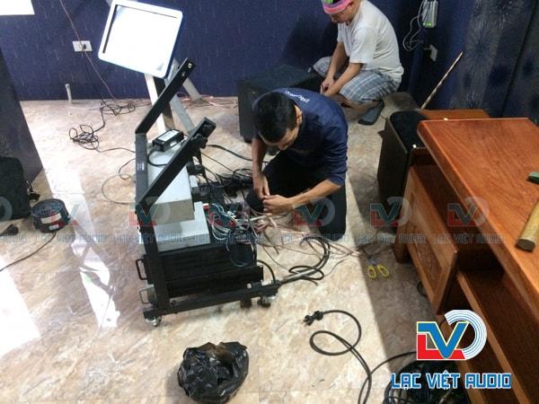 Quá trình lắp đặt thiết bị đòi hỏi độ am hiểu sâu về các thiết bị