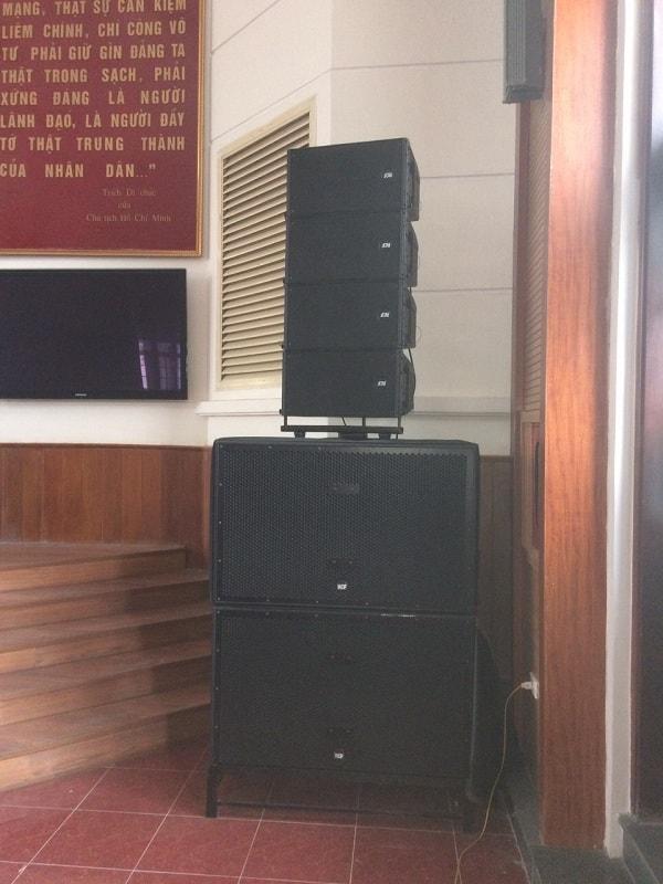 Bộ dàn loa array độc quyền của Lạc Việt Audio