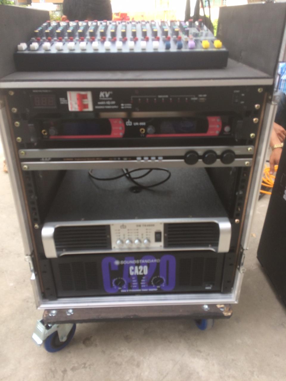 Hệ thống xử lý trung tâm, cục đẩy, vang số, micro, auto nguồn,...